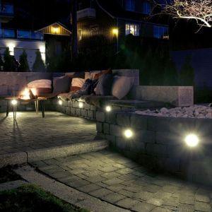 Hullboring for belysning i mur, kantstein eller beleggningsstein.